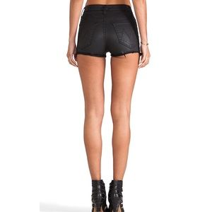 MOTHER Highwaisted cutoff short in Dare I be Happy